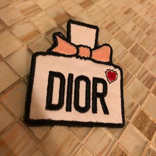 クリスチャンディオール(Christian Dior)の非売品●Dior バッチ ノベルティ 未使用 綿 Christian Dior(ブローチ/コサージュ)