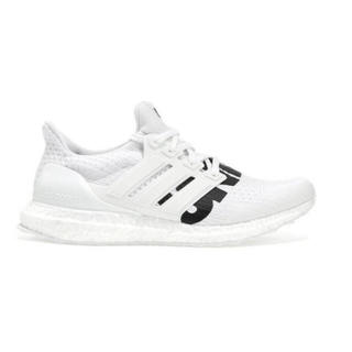 アンディフィーテッド(UNDEFEATED)のUNDEFEATED x adidas ULTRA BOOST WHITE (スニーカー)