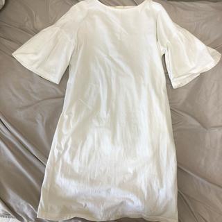 ジーユー(GU)のフレアスリーブロングtシャツ(Tシャツ(半袖/袖なし))