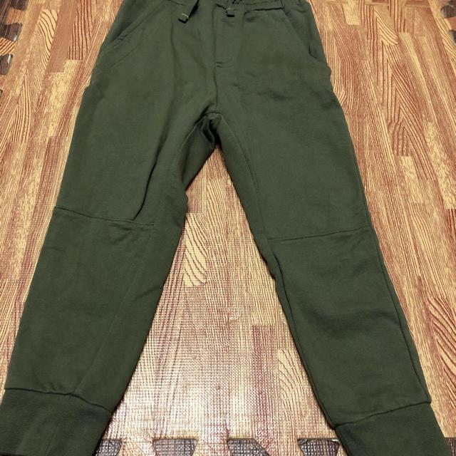 GU(ジーユー)のGU スエットパンツ 110 キッズ/ベビー/マタニティのキッズ服 男の子用(90cm~)(パンツ/スパッツ)の商品写真