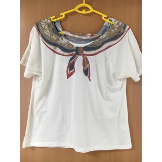 ジーユー(GU)のGUスカーフ柄tシャツ(Tシャツ(半袖/袖なし))