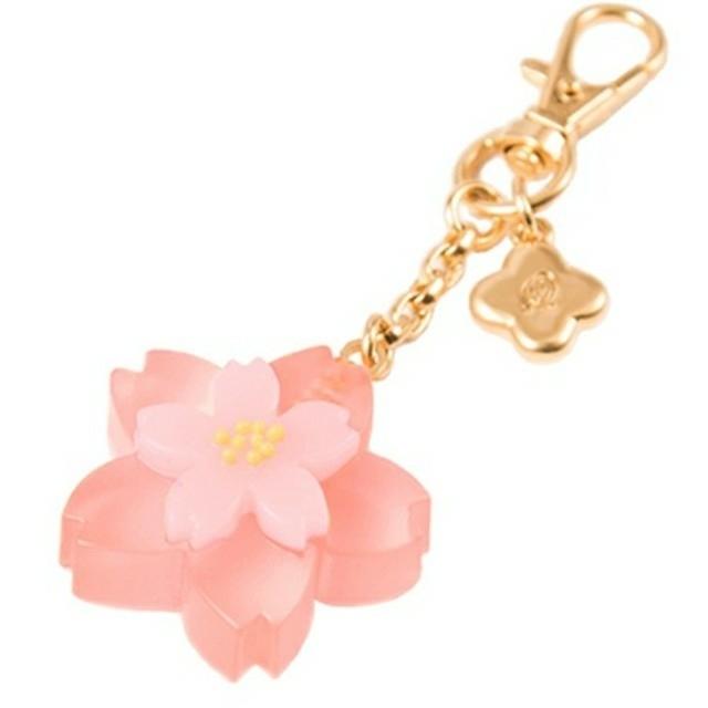 Q-pot.(キューポット)のQ-pot. 桜 羊羹 バックチャーム 🌸✨ レディースのアクセサリー(チャーム)の商品写真