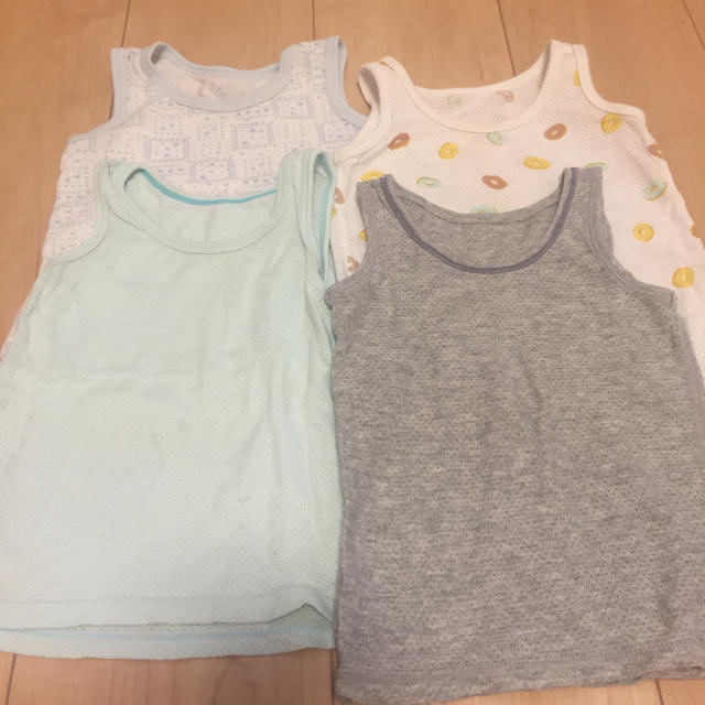 UNIQLO(ユニクロ)のメッシュ ランニングシャツ 肌着 80 4枚セット キッズ/ベビー/マタニティのベビー服(~85cm)(肌着/下着)の商品写真