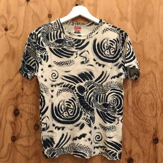 シンアンドカンパニー(SHIN&COMPANY)のタトゥー柄カットソー(Tシャツ/カットソー(半袖/袖なし))