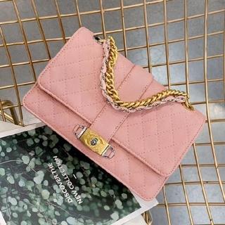Chanel  ハンドバッグ、ショルダーバッグ