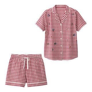 ジーユー(GU)の❤️新品 GU パジャマ 半袖 ショートパンツ ギンガム 花 S❤️ (パジャマ)