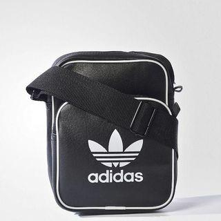 アディダス(adidas)の新品!!adidas originals☆ショルダーバッグ 男女兼用☆(ショルダーバッグ)