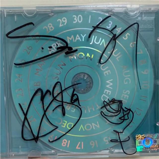 iKON(アイコン)のWINNER EVERYD4Y サイン アルバム エンタメ/ホビーのCD(K-POP/アジア)の商品写真