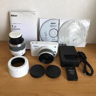 ニコン(Nikon)のNikon J1 ミラーレスカメラ ダブルズームキット(ミラーレス一眼)