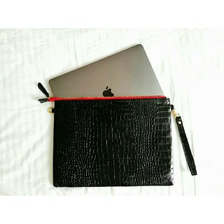 クラッチバック クロコダイル 型押し MacBook Pro 15インチ 本革 (セカンドバッグ/クラッチバッグ)