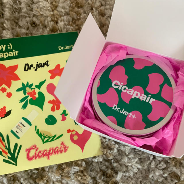 Dr. Jart+(ドクタージャルト)の限定 ドクタージャルト シカペア BBクリーム ダーマクリア プレゼント コスメ/美容のベースメイク/化粧品(BBクリーム)の商品写真