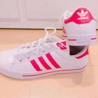 アディダス(adidas)の靴(スニーカー)
