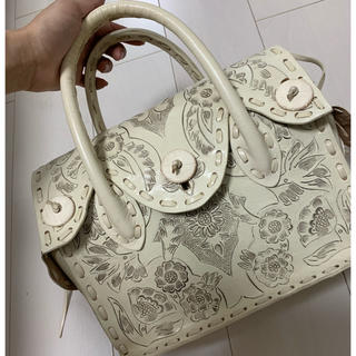 GRACE CONTINENTAL - 限定大人気色♡carving tribes bag