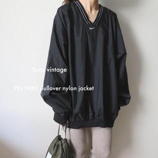 ナイキ(NIKE)の90s NIKE プルオーバー ナイロン ジャケット ポケット付 黒 古着(ナイロンジャケット)
