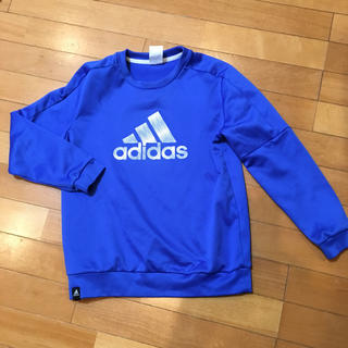 アディダス(adidas)のadidas トレーナー(Tシャツ/カットソー)