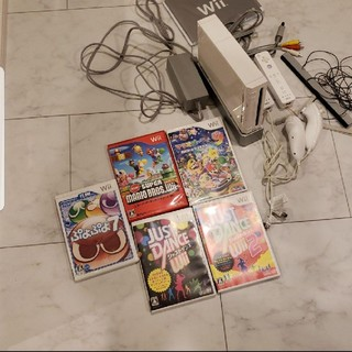 Wii - Wii 本体+ソフト5本セット