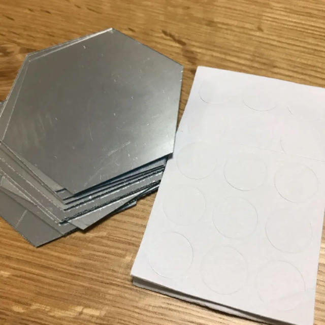 新品未使用  ウォールステッカー 鏡 六角形 12枚 インテリア/住まい/日用品のインテリア小物(壁掛けミラー)の商品写真