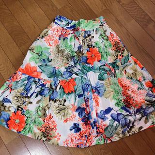 ザラ(ZARA)のZARA花柄スカート(ひざ丈スカート)