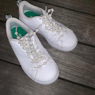 アディダス(adidas)のアディダス キッズ シューズ 18cm  少しの期間履きました!(スニーカー)