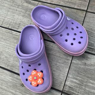 クロックス(crocs)のクロックス かわいいカラー おそらく17.5cm〜18cmにりなります(サンダル)