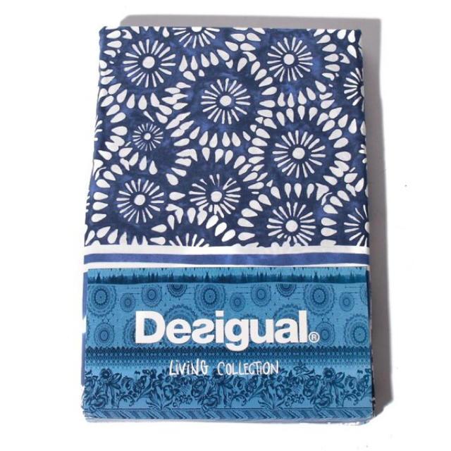 DESIGUAL(デシグアル)の新品♡定価9900円 デシグアル  ベッドカバー &ピローケース ブルー系⭐️ インテリア/住まい/日用品の寝具(シーツ/カバー)の商品写真