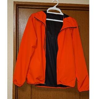 ジーユー(GU)のGU ウィンドプルーフ シェルパーカー オレンジ メンズMサイズ 試着のみ(ナイロンジャケット)