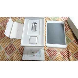 アップル(Apple)のApple au iPad mini 4 16GB MK712J/A(タブレット)