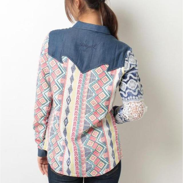 DESIGUAL(デシグアル)の新品♡定価15900円 デシグアル ハンドメイド刺繍&レースシャツ  レディースのトップス(シャツ/ブラウス(長袖/七分))の商品写真