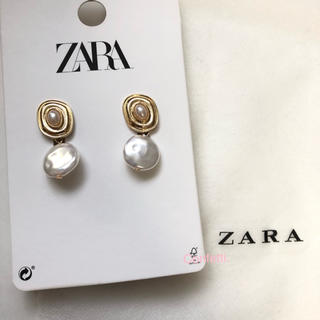 ザラ(ZARA)のZARA パールピアス B ザラ ピアス 大ぶり 新品未使用(ピアス)