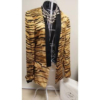 ザラ(ZARA)のZARA 美品 テーラードジャケット 個性的 レオパード柄 (テーラードジャケット)