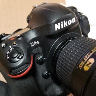 ニコン(Nikon)のNikon D4S 24-70mm f2.8(デジタル一眼)