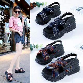 原宿サンダル女性 夏の靴韓国の靴学生フラットサンダル(サンダル)