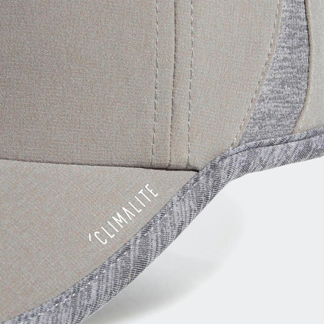 adidas(アディダス)の☆新品☆ adidasアディダス  SuperLite Cap  レディース レディースの帽子(キャップ)の商品写真