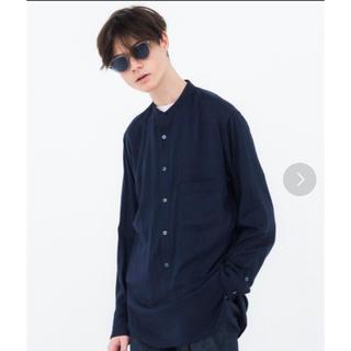 デラックス(DELUXE)のDELUXE バンドカラーシャツ ネイビー  L(シャツ)