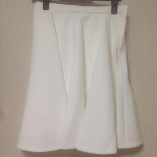 ノジェス(NOJESS)の新品未使用 ホワイトスカート(ひざ丈スカート)