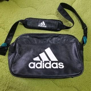 アディダス(adidas)のアディダスのエナメルバック(ショルダーバッグ)