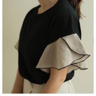 アメリヴィンテージ(Ameri VINTAGE)の袖フリルTシャツ(Tシャツ(半袖/袖なし))