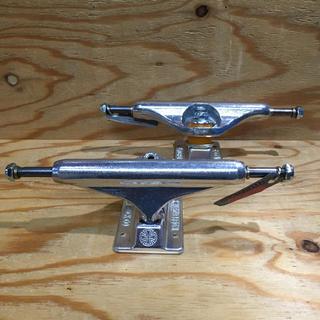 インディペンデント(INDEPENDENT)のスケート トラック INDEPENDENT インデペンデント チタニウム 新品(スケートボード)
