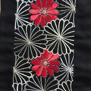 フリフ(ふりふ)のノブクロ様専用   刺繍半襟 黒 菊模様 シルエリー 未使用(和装小物)