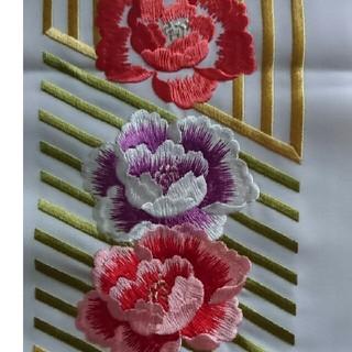 フリフ(ふりふ)の香代子様専用です。刺繍半襟 縞花 シルエリー 未使用(和装小物)