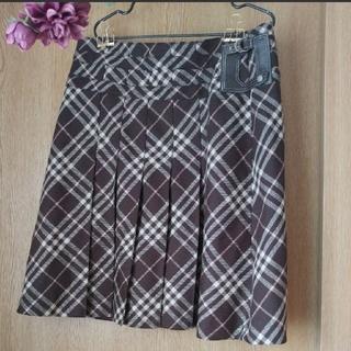 バーバリー(BURBERRY)のBurberry❤台形 プリーツスカート(ひざ丈スカート)