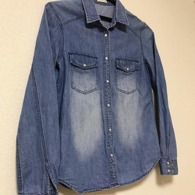 GU(ジーユー)の【美品】デニムシャツ レディースのトップス(シャツ/ブラウス(半袖/袖なし))の商品写真