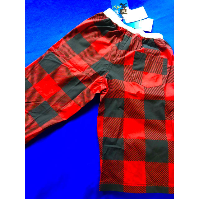 しまむら(シマムラ)の新品   男児 ハーフパンツ赤黒  160センチ キッズ/ベビー/マタニティのキッズ服 男の子用(90cm~)(パンツ/スパッツ)の商品写真
