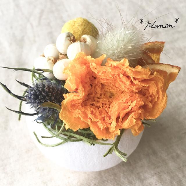 *ハンドメイド*ベルカップ母の日プチアレンジ*オレンジ*ドライフラワー* ハンドメイドのフラワー/ガーデン(ドライフラワー)の商品写真