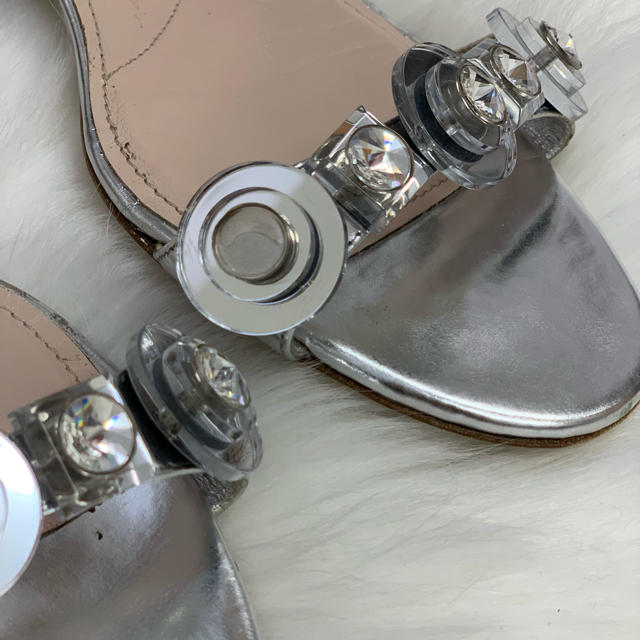 miumiu(ミュウミュウ)の551 ミュウミュウ ビジュー サンダル レディースの靴/シューズ(サンダル)の商品写真