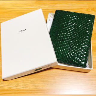 rosa.k ヘビ革 パスポートカバー ケース パイソン柄 チャンミン(旅行用品)