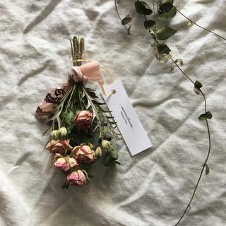 薄ピンクのバラとユーカリさんのスワッグ(ドライフラワー)