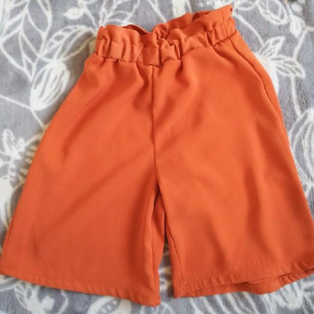 しまむら(シマムラ)の新品未使用♡トップスパンツキャミ3点セット キッズ/ベビー/マタニティのベビー服(~85cm)(Tシャツ)の商品写真