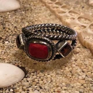 インドルビーとガーネットのシルバーリング(リング(指輪))