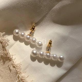 ナノユニバース(nano・universe)のLine pearl earrings No.9(ピアス)